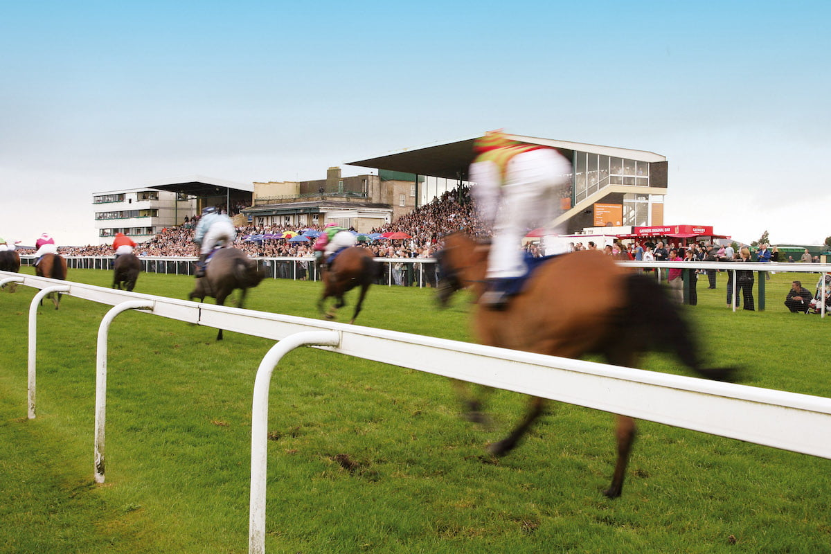 What to Wear to Bath Racecourse, What to Wear to Bath